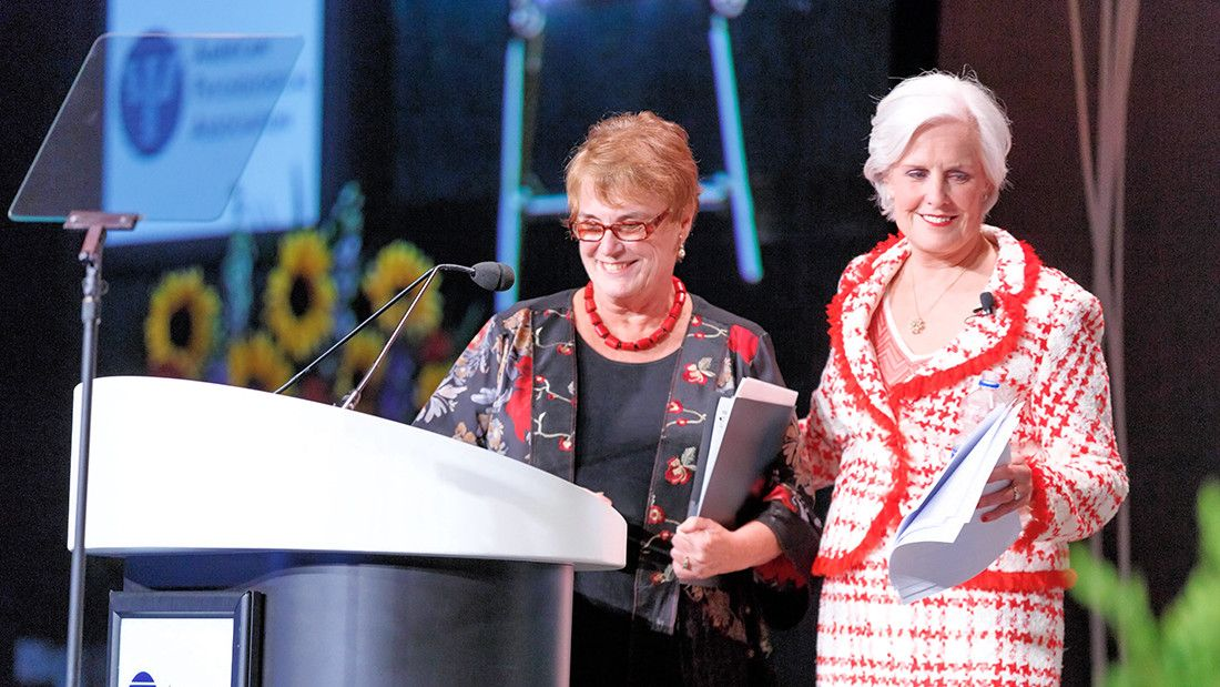 2016 APA Interim CEO Cynthia Belar, PhD (left), and APA President Susan H. McDaniel, PhD, at the opening session of the 2016 APA convention.